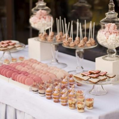 Quel type de repas choisir pour votre mariage ? Le buffet déjeunatoire ou dinatoire.